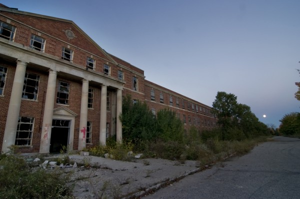 The Ypsilanti State Hospital - Photo Courtesy of Opacity.Us